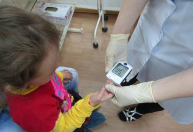 What should parents do if a child is sick with diabetes
