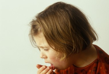 The symptoms of tracheitis in a child