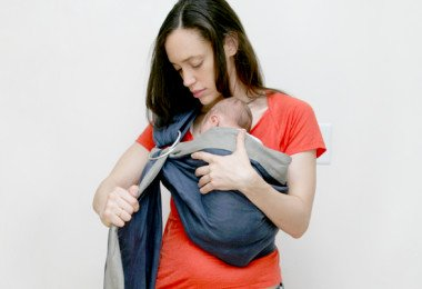 Slings for newborns - how to wear baby in a sling
