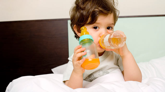 The juice in the diet of the child at what age to give baby juice