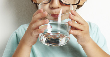 Heartburn in children - causes, symptoms and treatment
