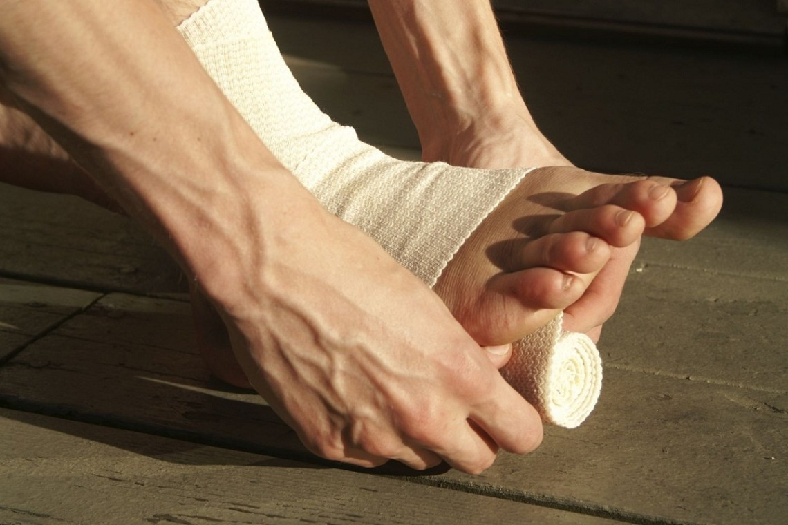 Dislocation of the foot - symptoms and treatment